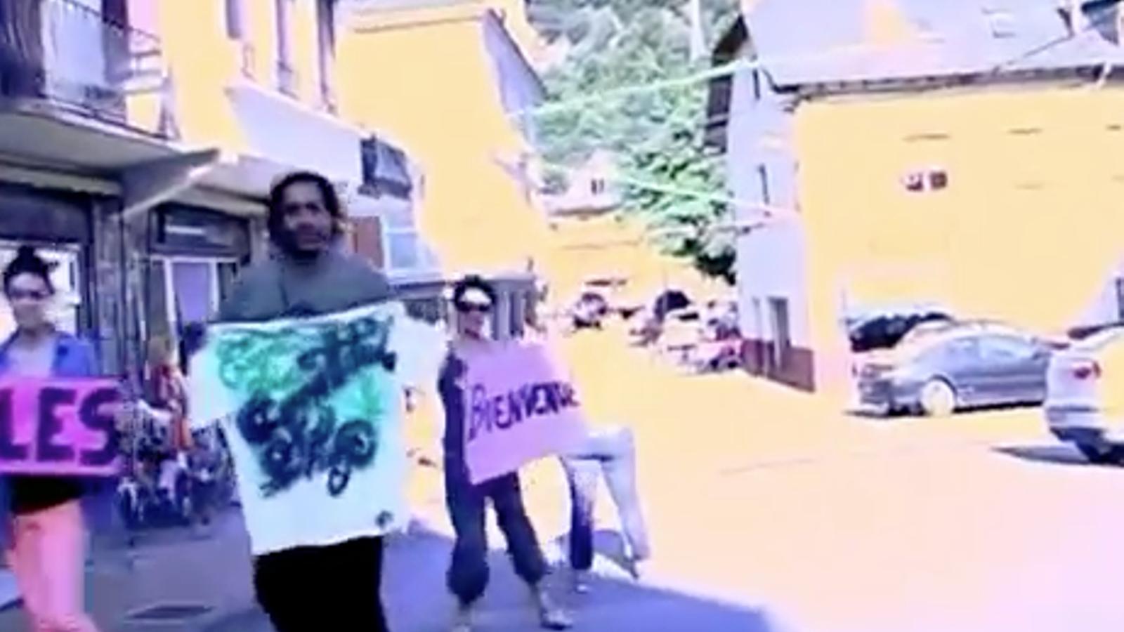Els veïns de Les fan un Lipdub per promocionar aquest poble aranès després de les riuades