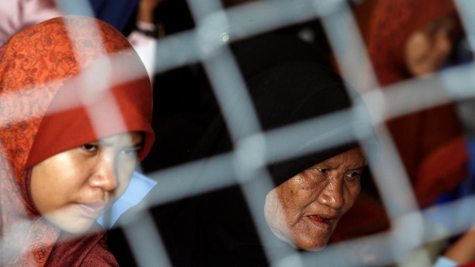 Dones musulmanes segueixen la vista oral contra els genocides