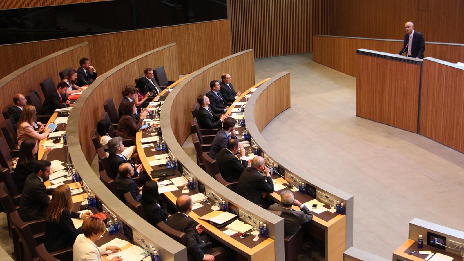 El cap de Govern, Toni Martí, ha defensat la posició del Govern sobre la qüestió.