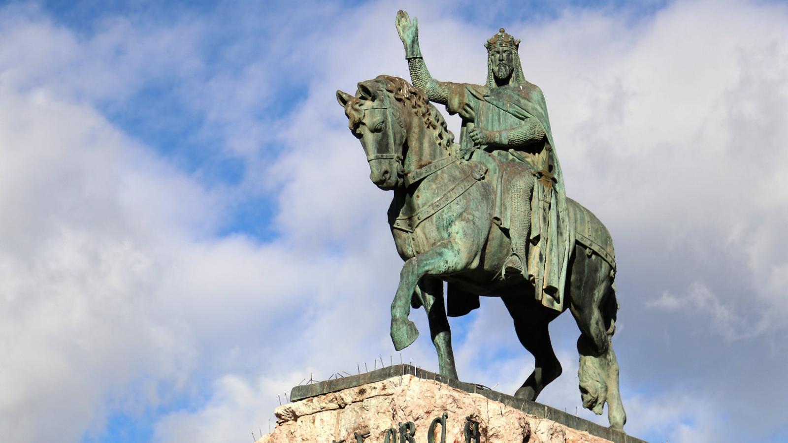 De Jaume I         a Llorenç Villalonga:         un catàleg      del patrimoni polèmic