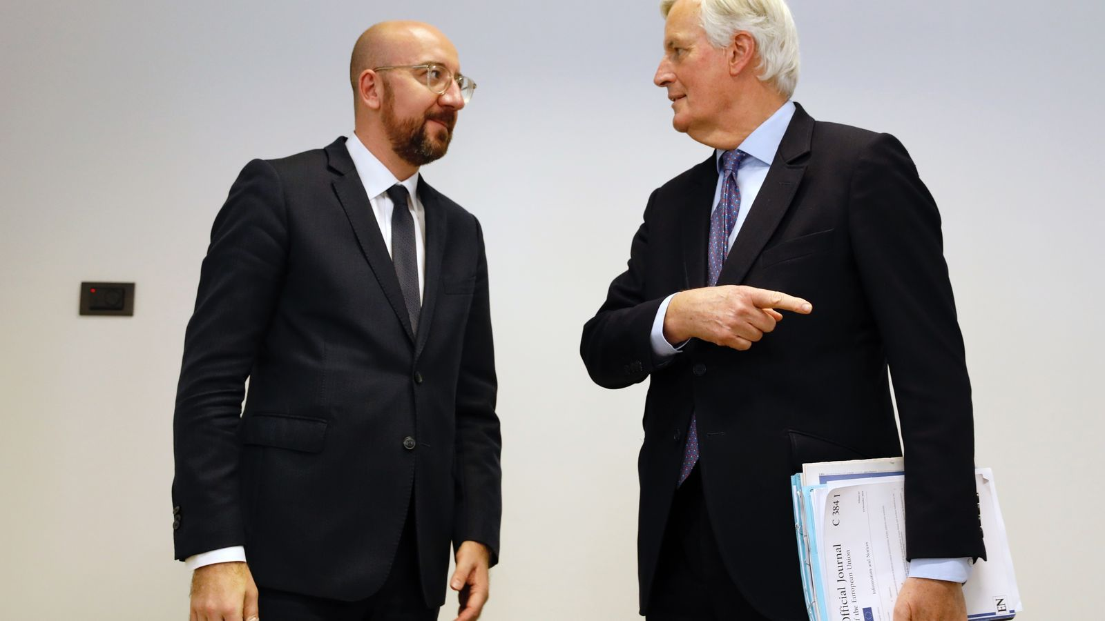 El president del Consell Europeu, Charles Michel, amb el responsable de les negociacions amb el Regne Unit, Michel Barnier.