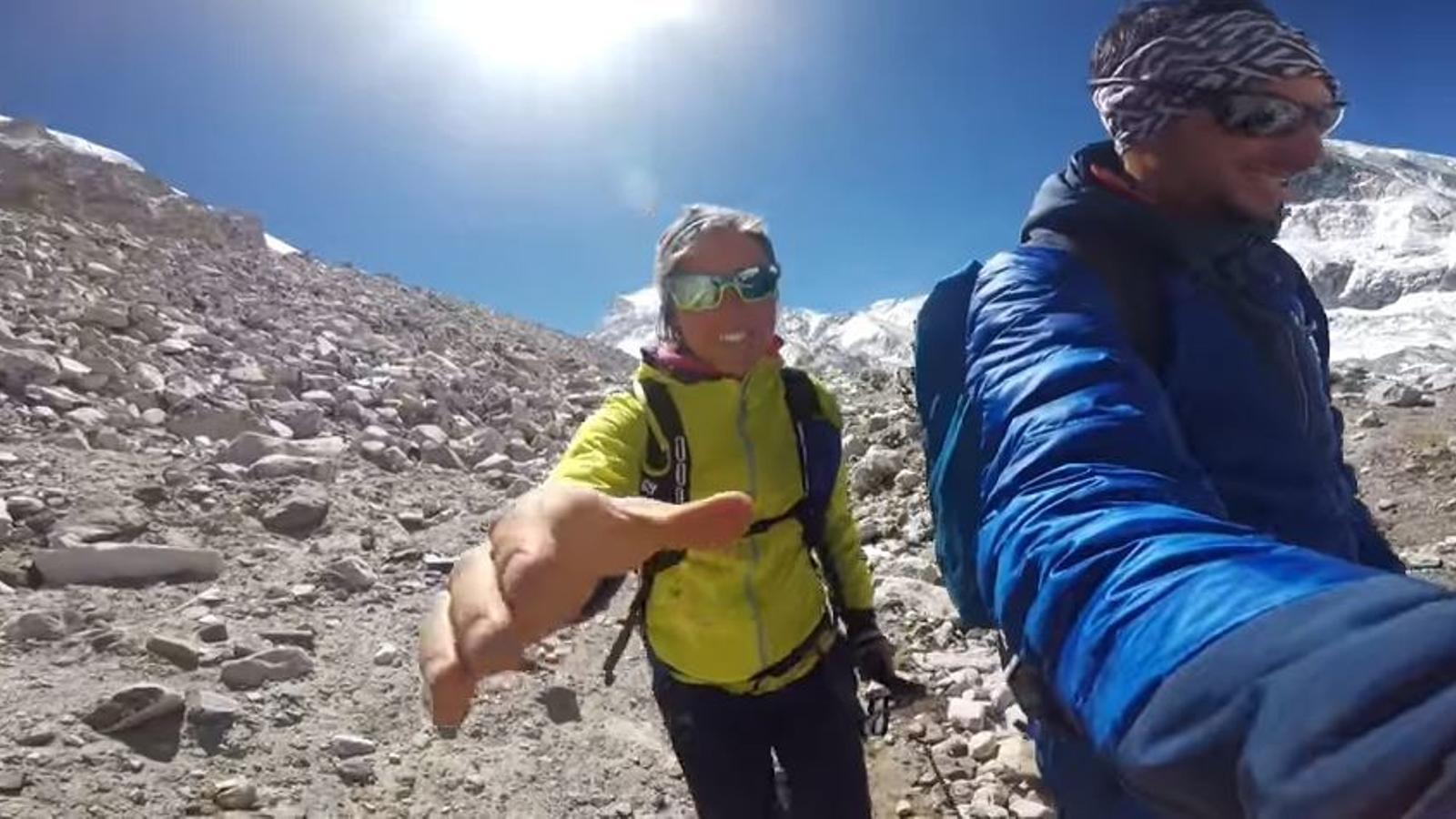 Kilian Jornet i Emelie Forsberg, durant l'aclimatació a l'Himàlaia