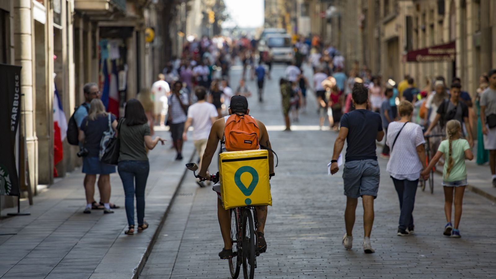 Un repartidor de Glovo als carrers de Barcelona