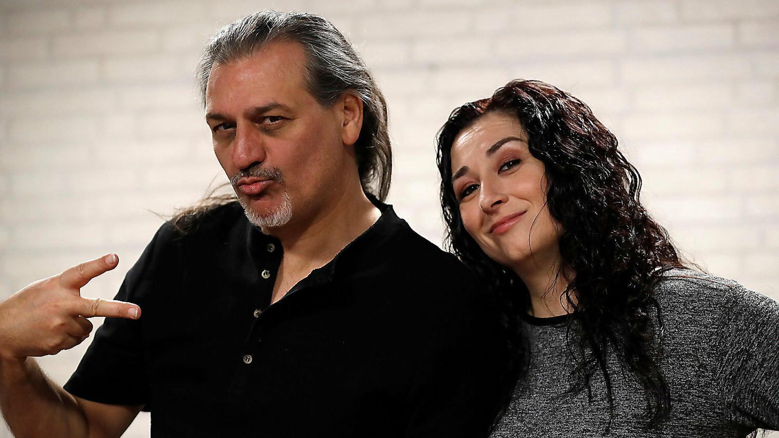 Els dos components de Camela, Dioni Martín i Ángeles Muñoz, fa uns dies a Madrid, durant la presentació a la premsa de Rebobinando.