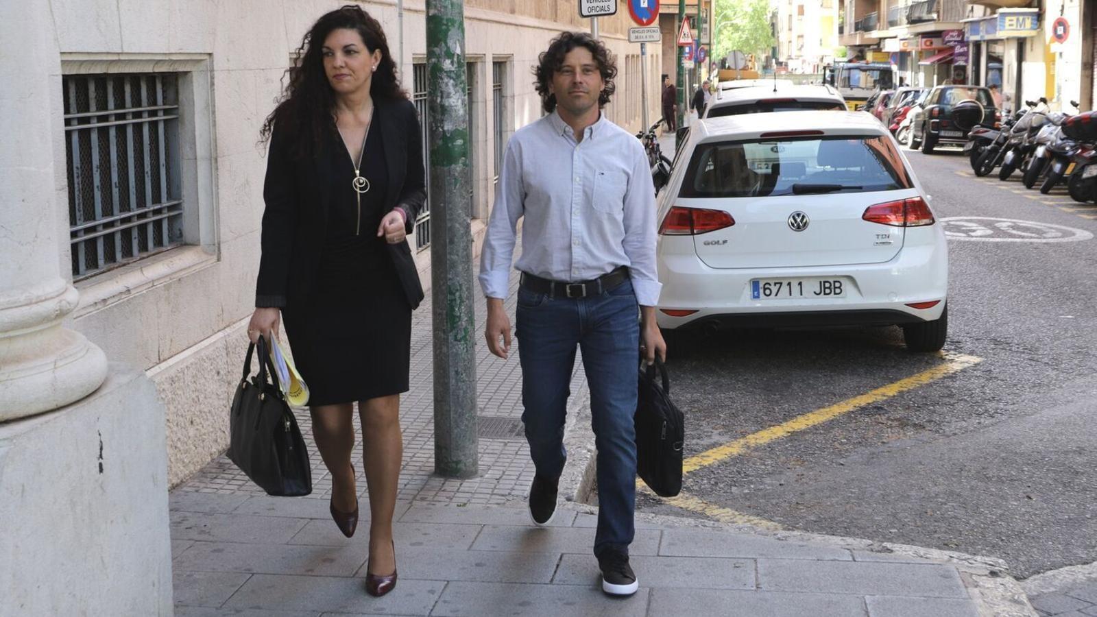 Jaume Garau, qui va ser cap de campanya de MÉS per Mallorca la passada legislatura, arrivant als jutjajs de Palma en una imatge d'arxiu