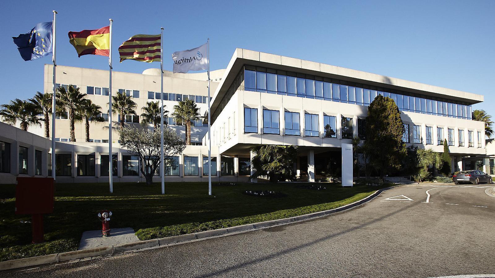 Almirall fitxa Ron Menezes per redreçar el negoci dermatològic