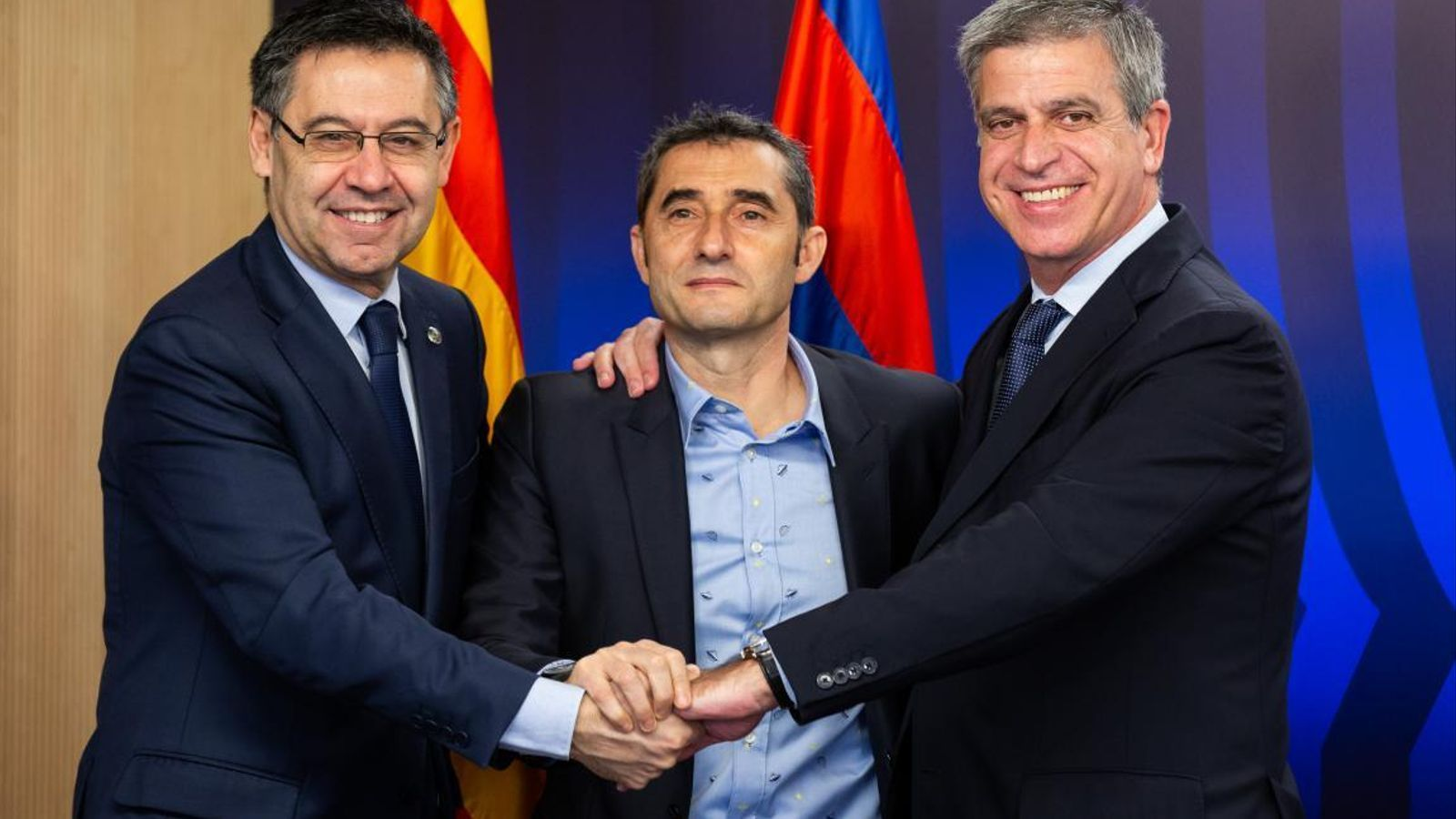 Bartomeu, Valverde i Mestre, durant la renovació del tècnic amb el Barça