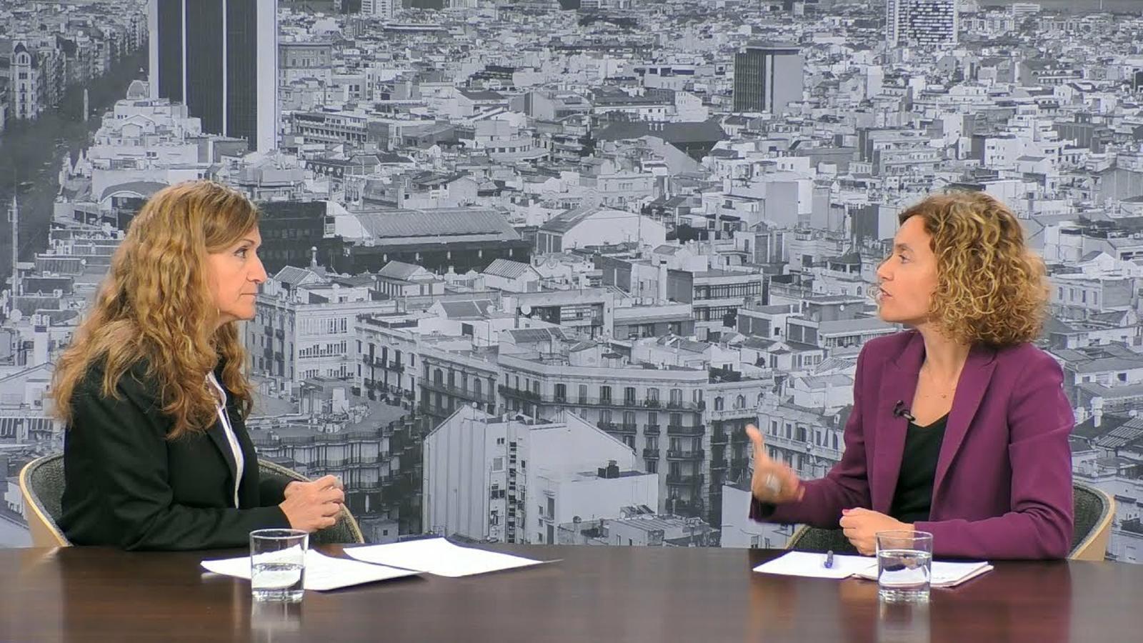 Entrevista d'Esther Vera a Meritxell Batet