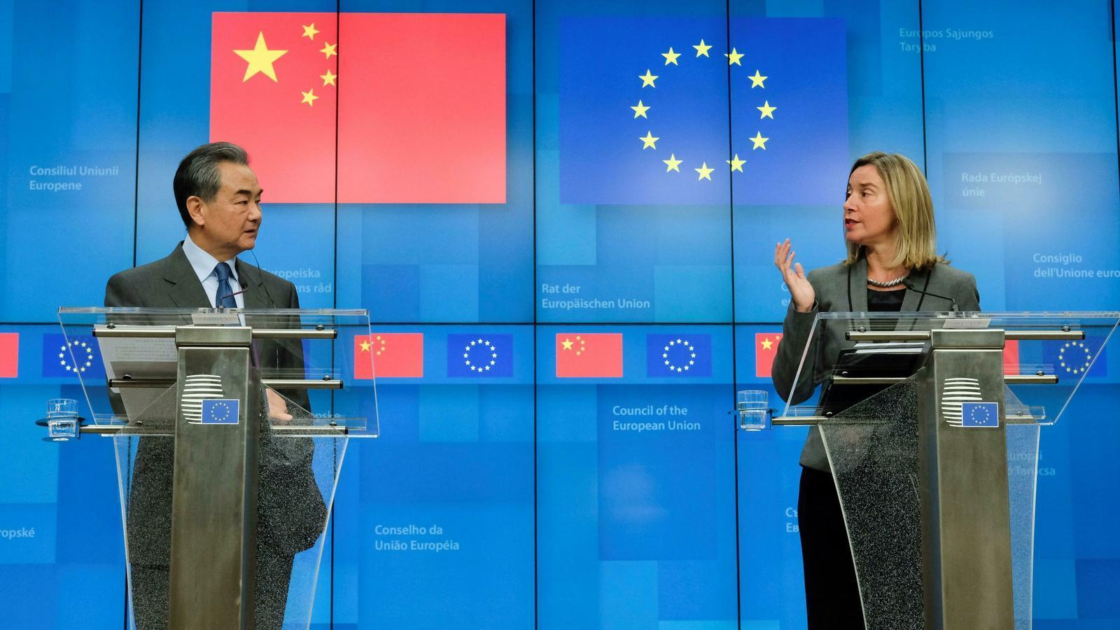 Europa es posa en alerta davant dels riscos de l'expansió econòmica de la Xina