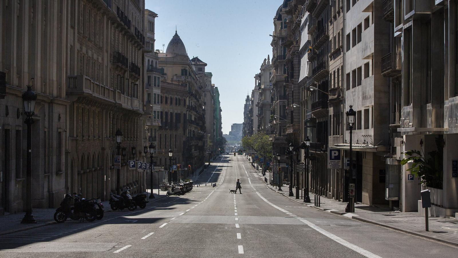 La Via Laietana de Barcelona, deserta durant la pandèmia.
