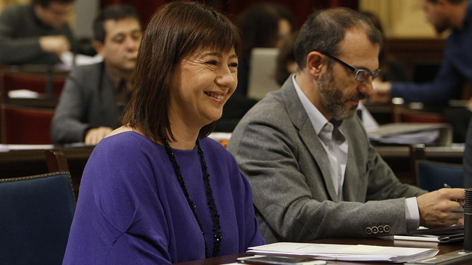 Francina Armengol, durant la plenària d'aquest dilluns. / ISAAC BUJ.
