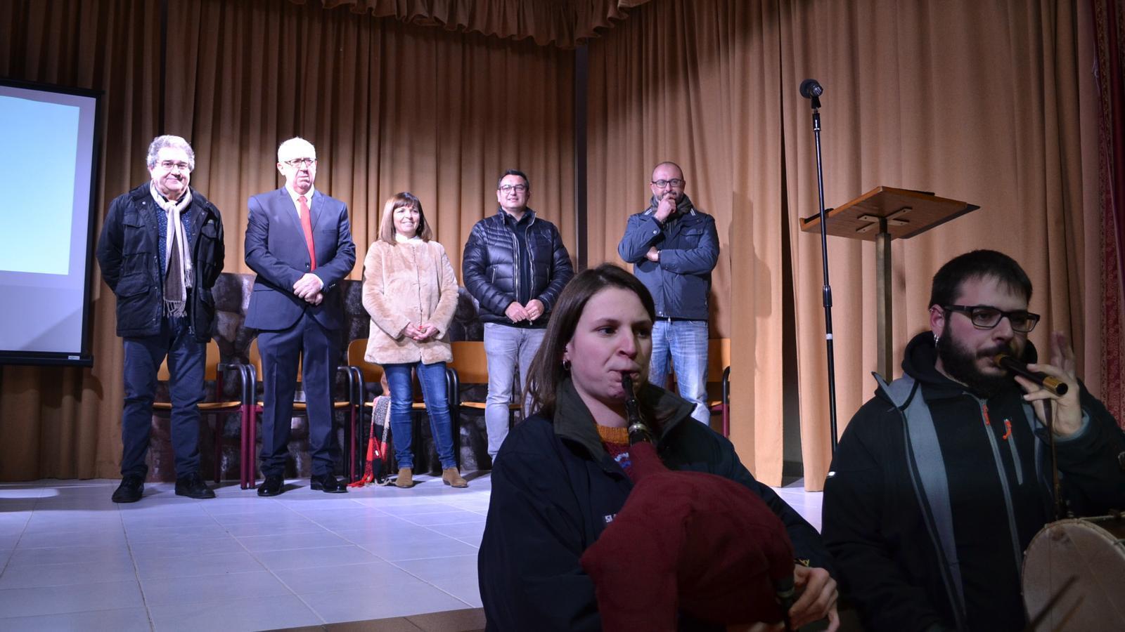 La presentació dels actes comptà amb representants municipals i historiadors.