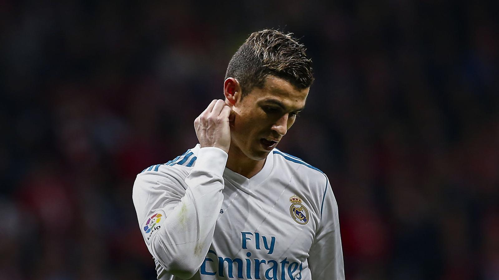 Cristiano Ronaldo decebut després del derbi contra l'Atlètic de Madrid en què no va poder marcar.
