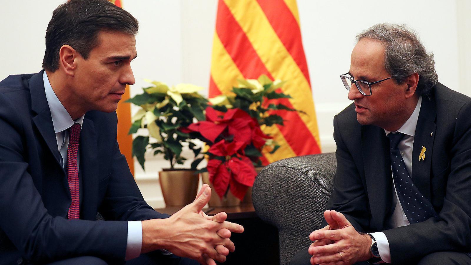 """Moncloa i Generalitat s'emplacen mútuament a fer """"real"""" el diàleg"""