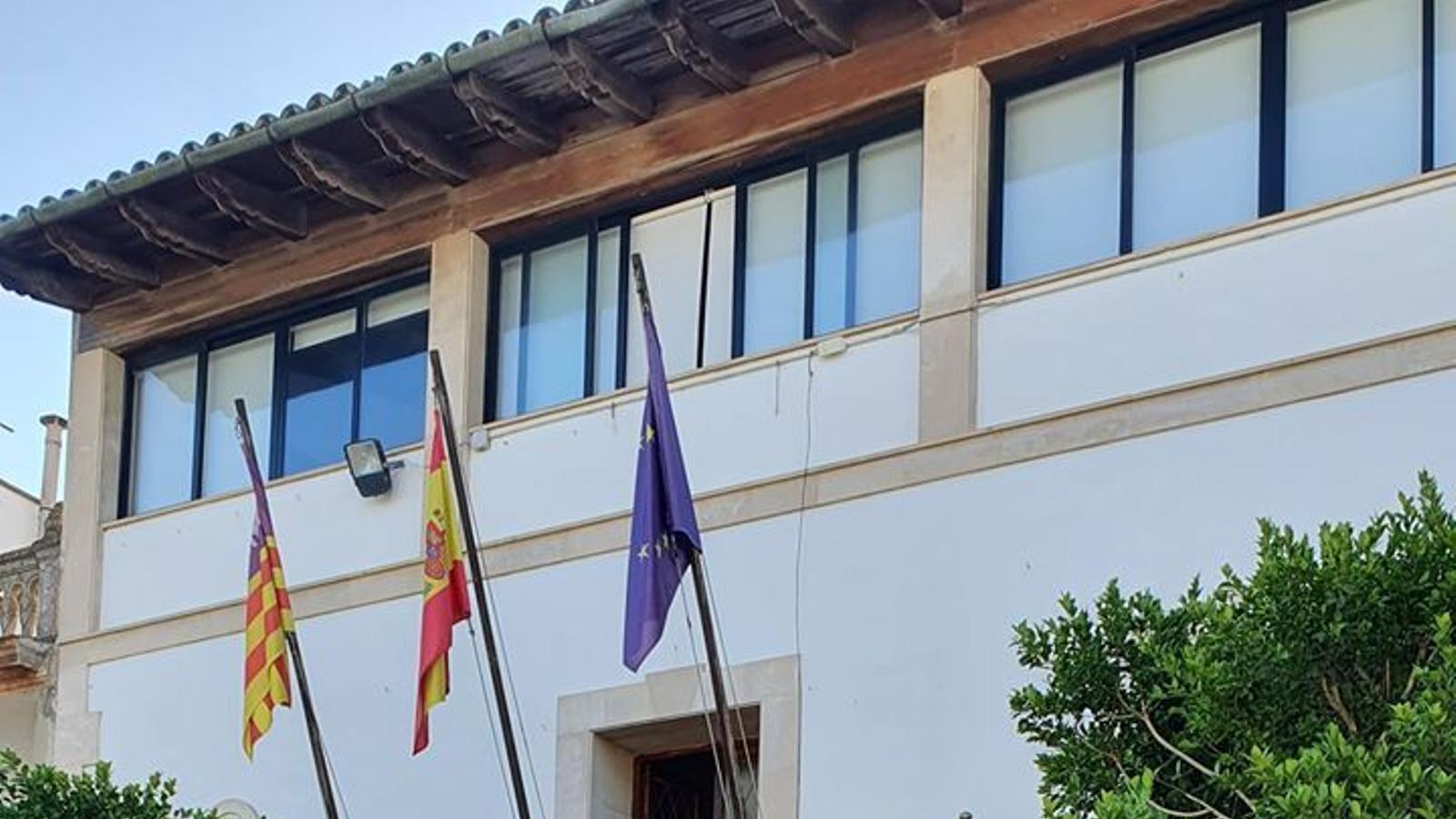 Ajuntament de Maria de la Salut. / AJUNTAMENT