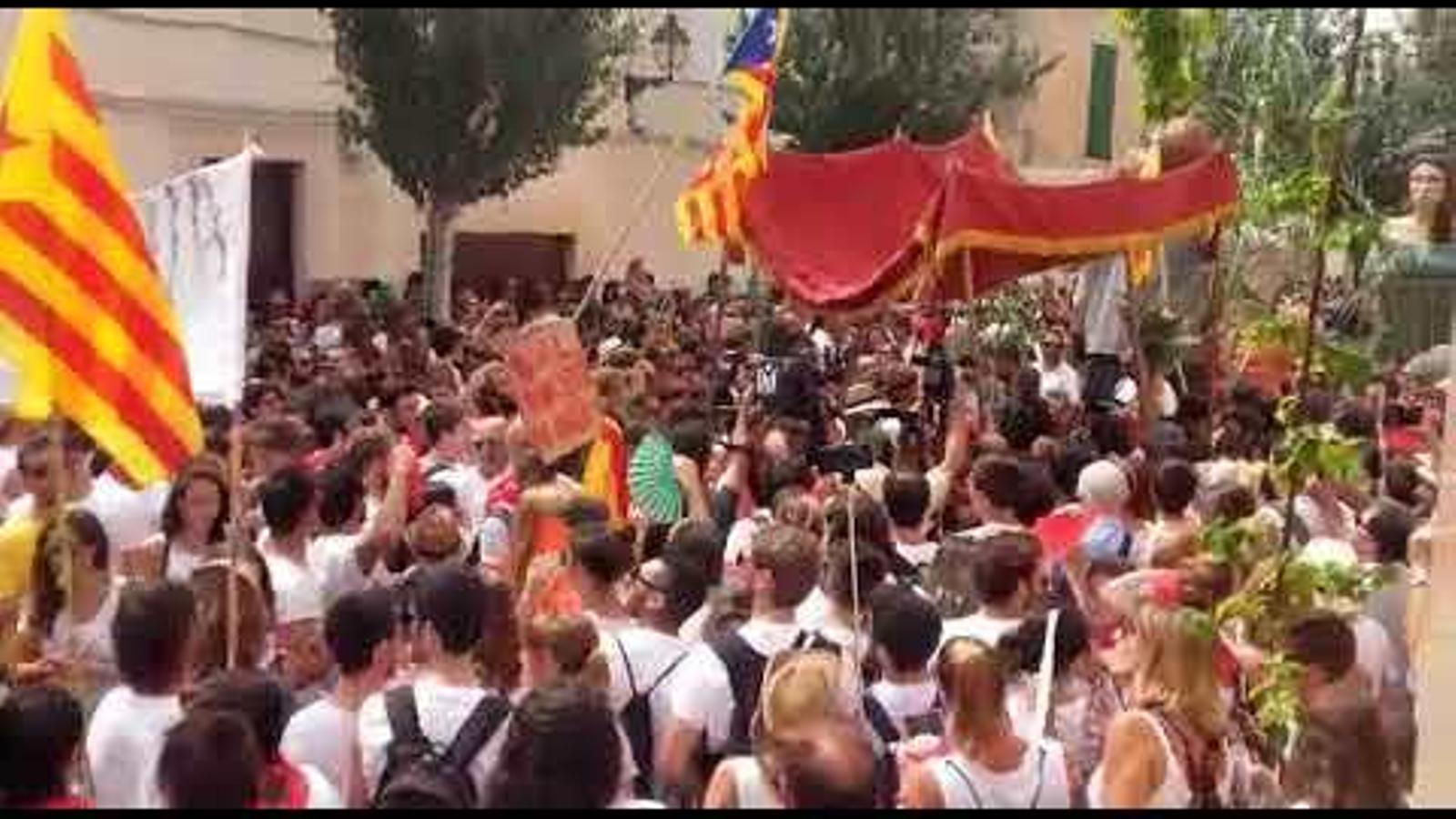 El pali de la penya El Cosso a les festes de Sant Agustí de 2017.