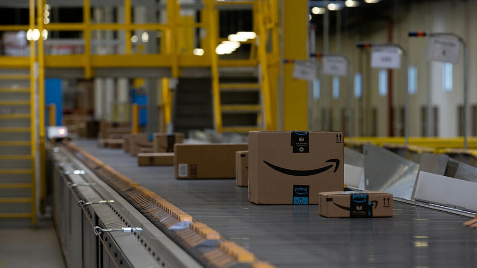Una de les centrals de distribució d'Amazon. / ARXIU ARA