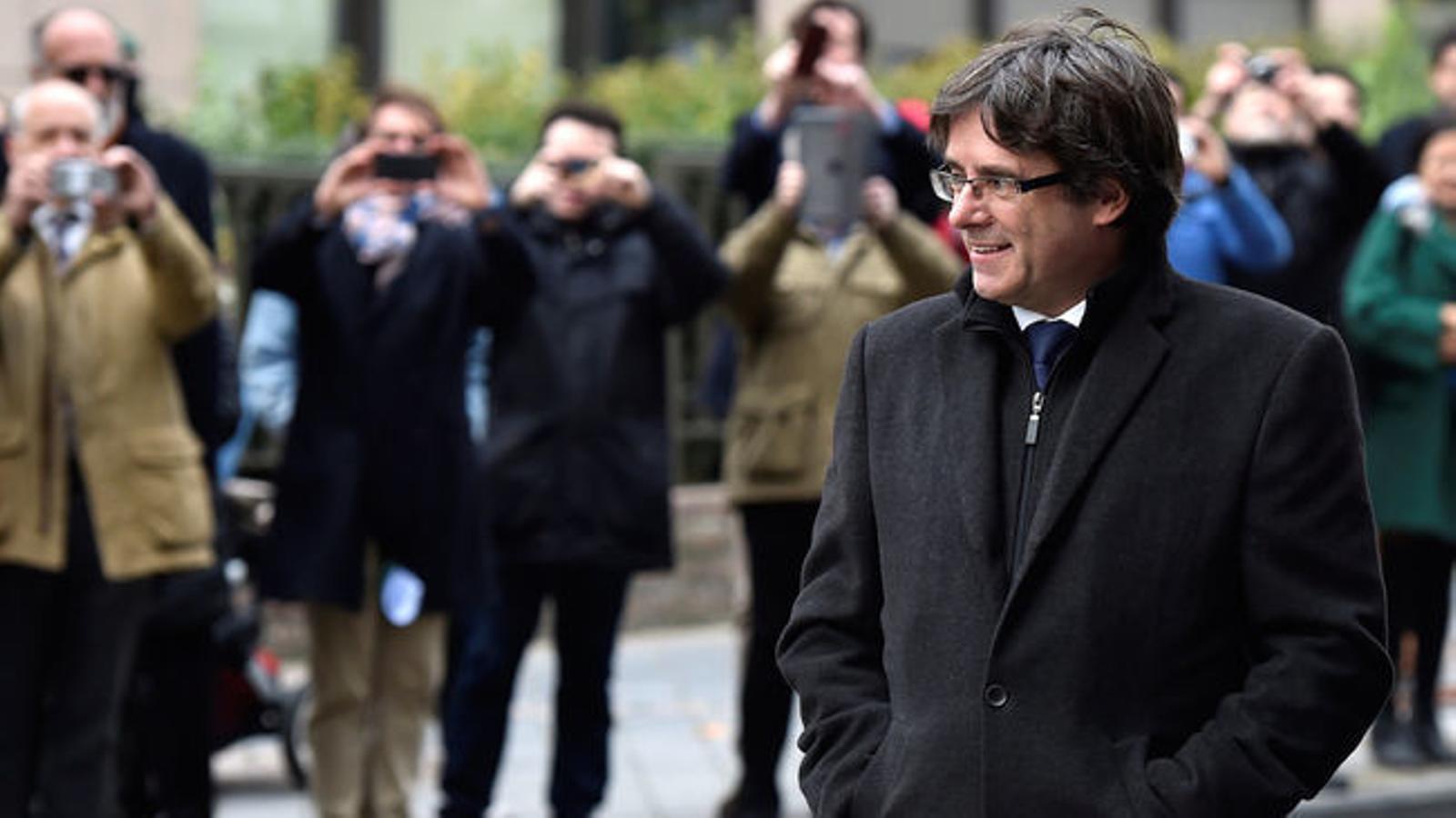 El Govern té a punt l'escorta de Puigdemont i espera permisos d'Exteriors i la Guàrdia Civil
