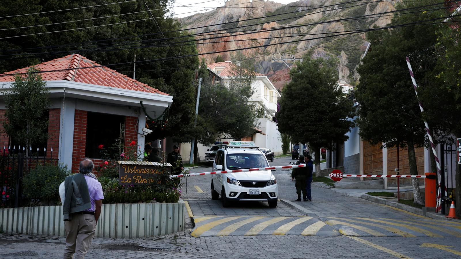 """Bolívia acusa Espanya d'enviar """"quatre encaputxats armats"""" a l'ambaixada mexicana a La Paz"""