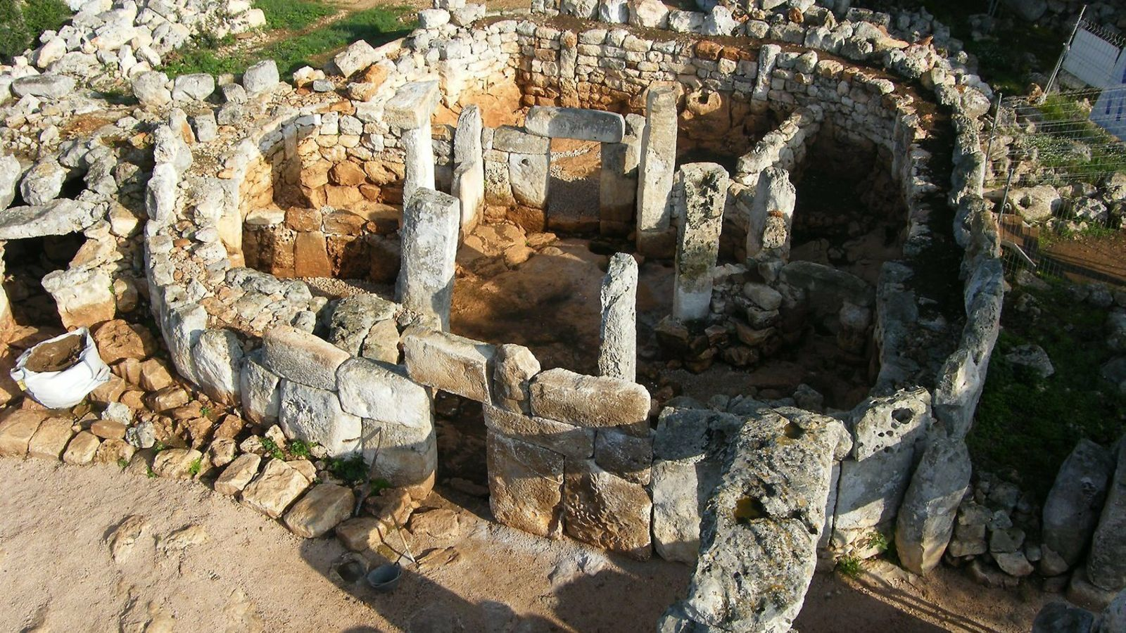 El poblat talaiòtic és un referent històric i un dels espais més concorreguts pels visitants.