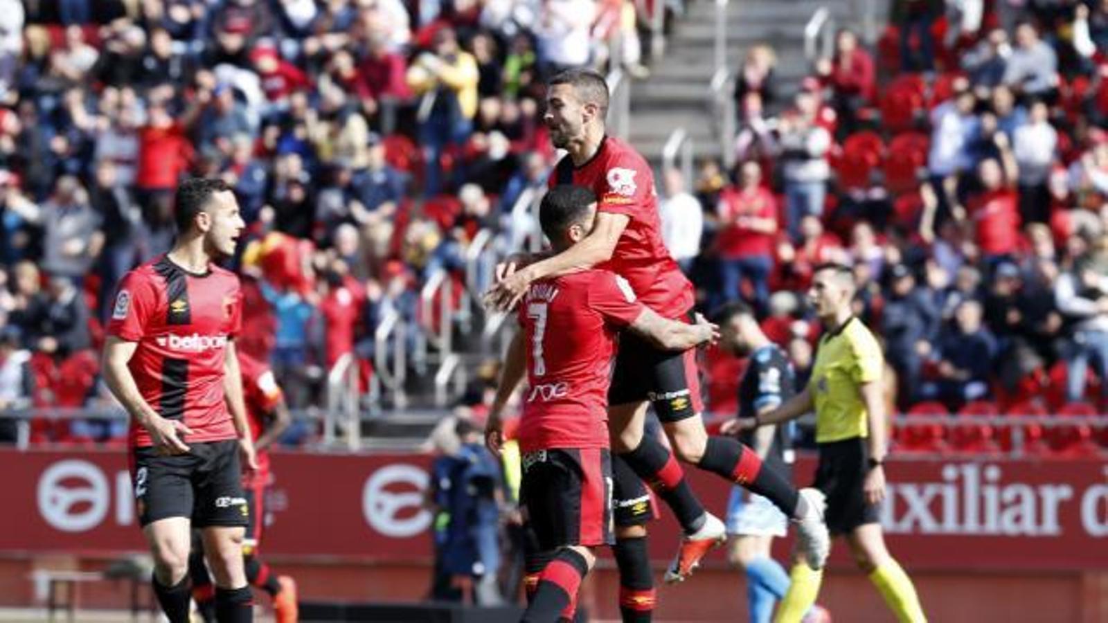 El Mallorca goleja al Lugo per 3-0