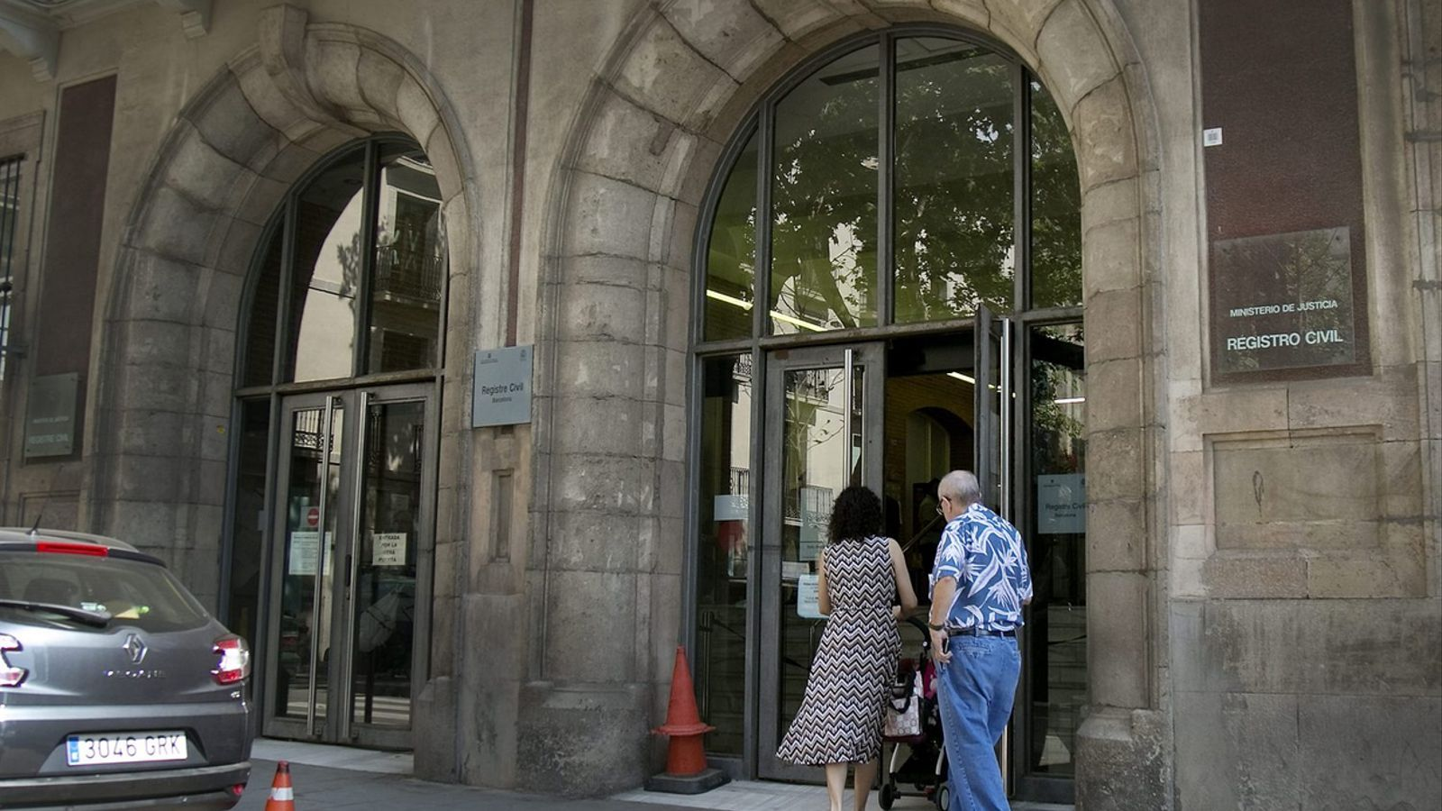 La paralització del Registre Civil de Barcelona va deixar sense inscriure 4.000 defuncions en un mes