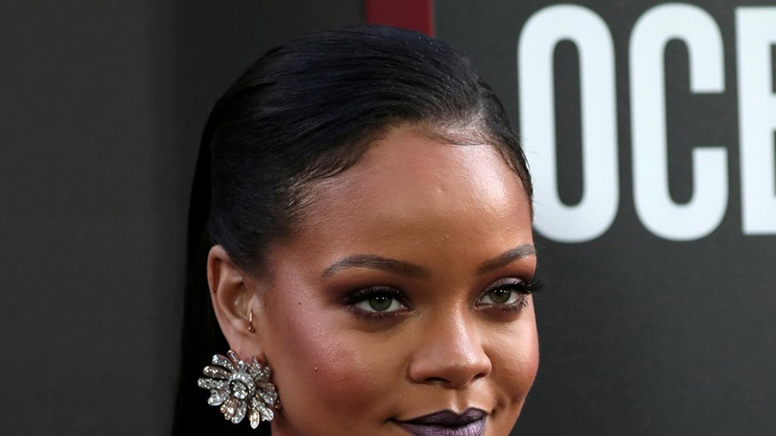 Des de fa anys Rihanna té una relació problemàtica amb el seu pare