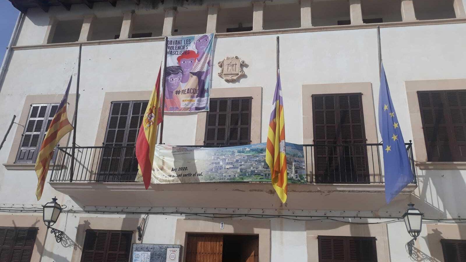 Les banderes de l'Ajuntament de Vilafranca restaran a mitja asta en senyal de dol per la mort del nin de 5 anys