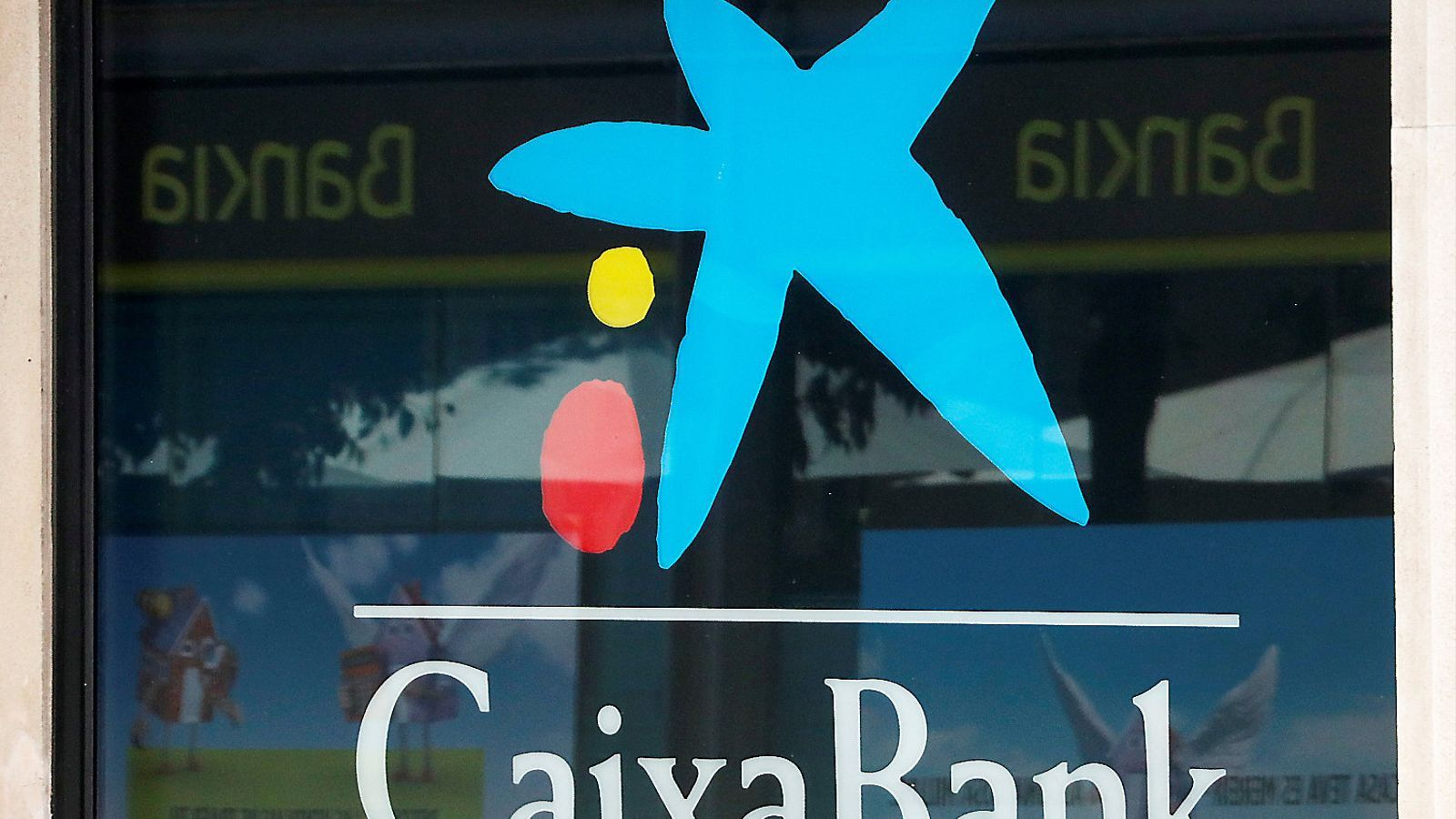 La marca CaixaBank sí que sembla blindada davant la negociació amb Bankia.