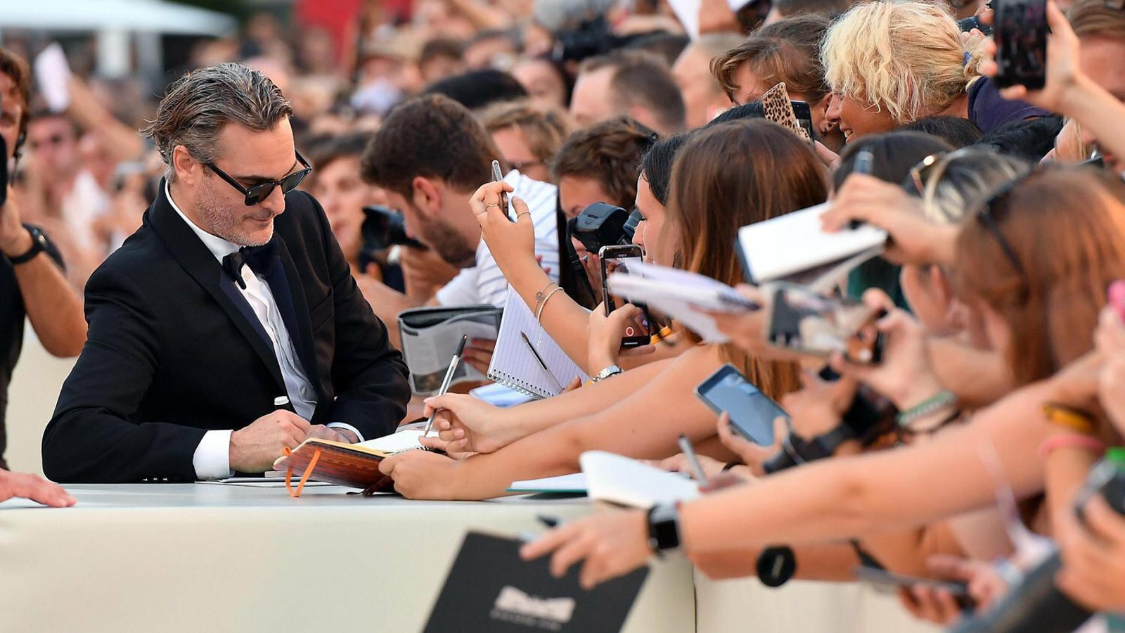 Joaquin Phoenix explora la humanitat del Joker