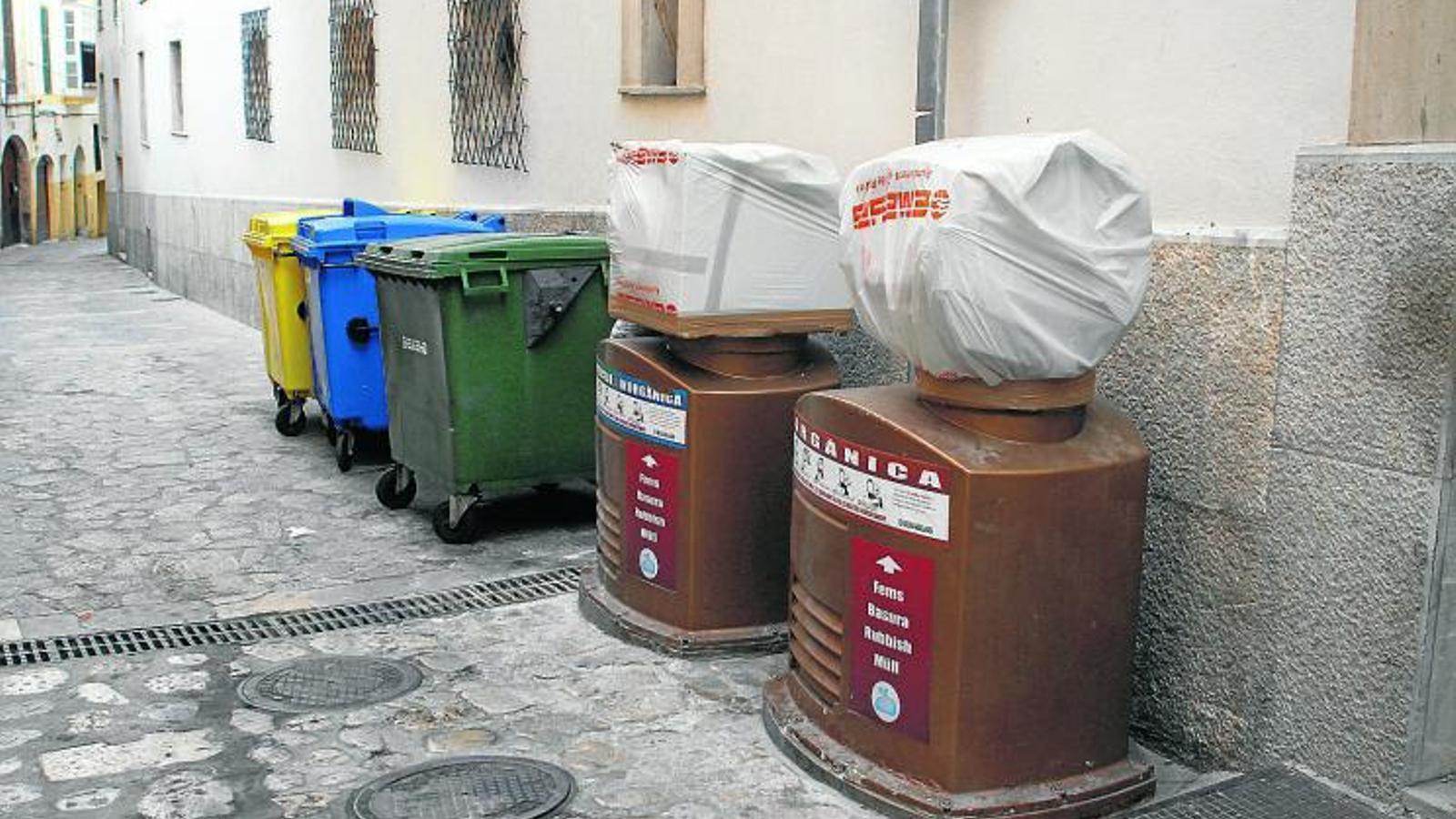 10 ANYS DE SERVEI  Només 10 anys ha pogut aguantar la xarxa de recollida pneumàtica de Palma, un projecte que va costar gairebé el doble del previst inicialment i que ara quedarà condemnat per sempre. Una part dels 27 milions d'euros que va costar la instal·lació va ser finançada per la Unió Europea.