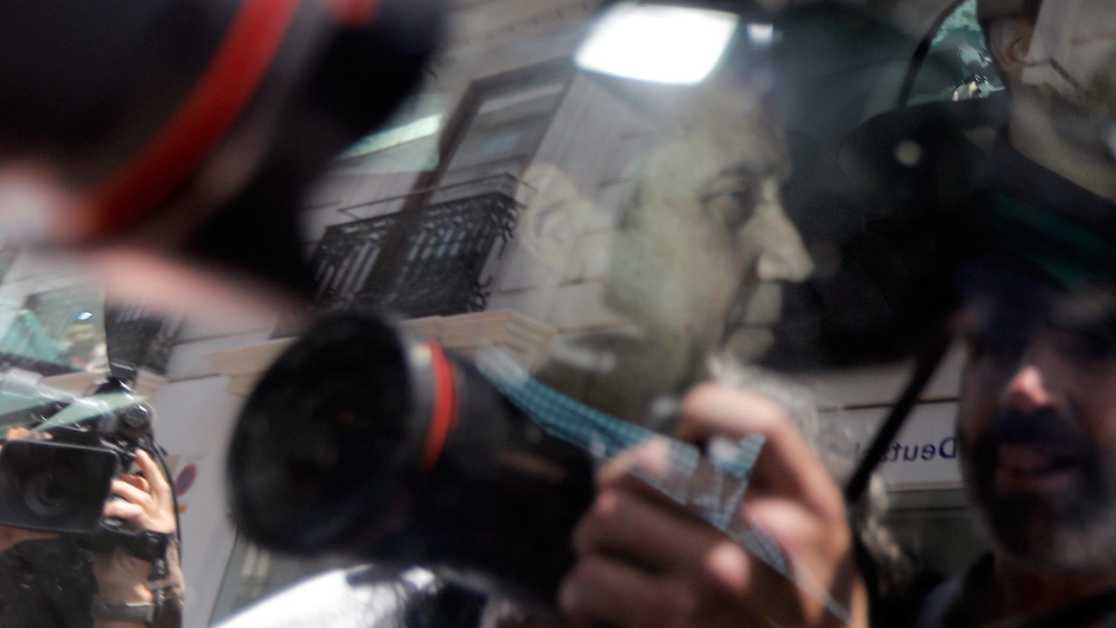 La Guàrdia Civil deté Eduardo Zaplana per blanqueig de capitals i malversació
