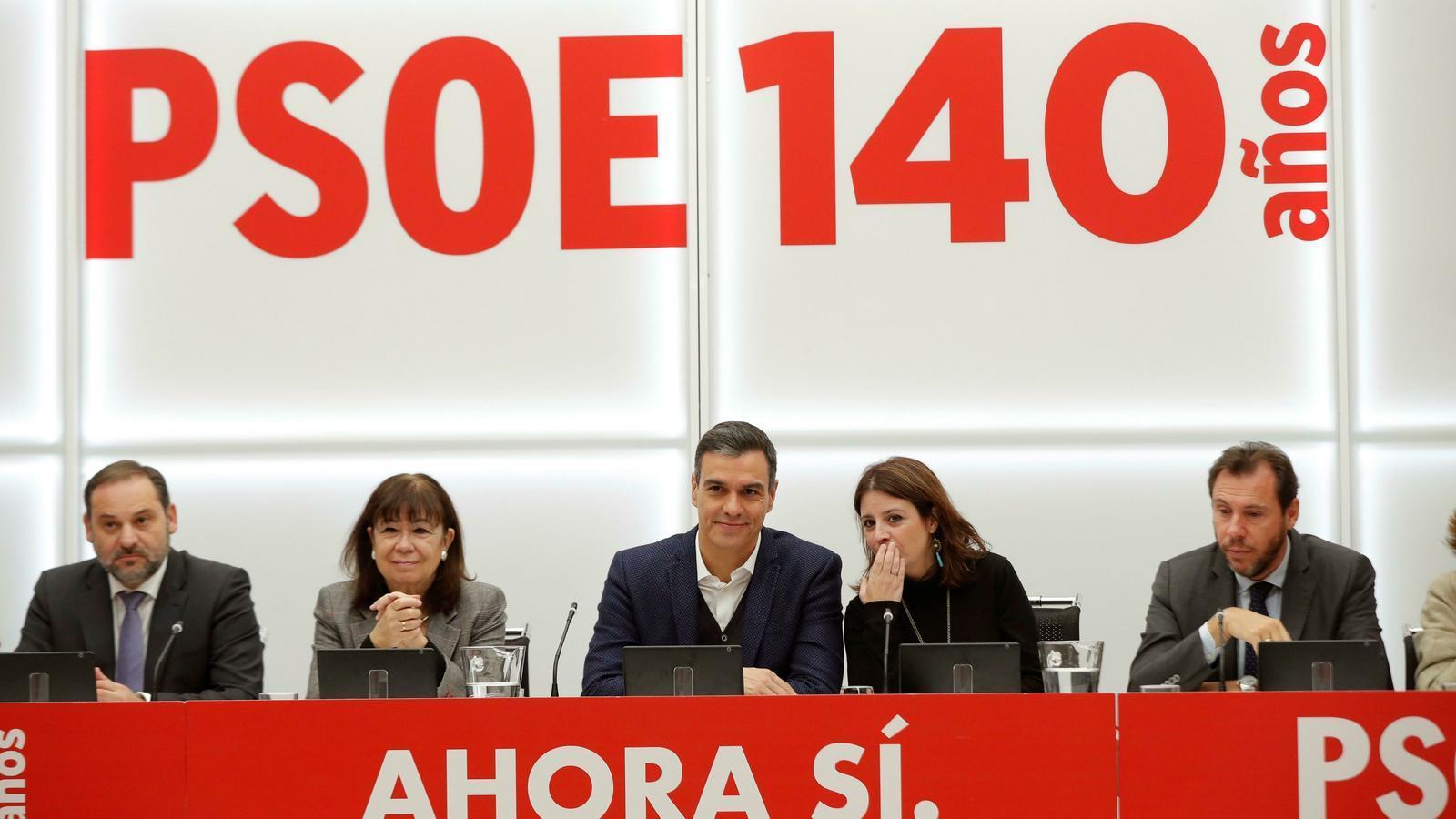 El PSOE rebutja la gran coalició amb el PP i no descarta la investidura amb el 'sí' de Ciutadans