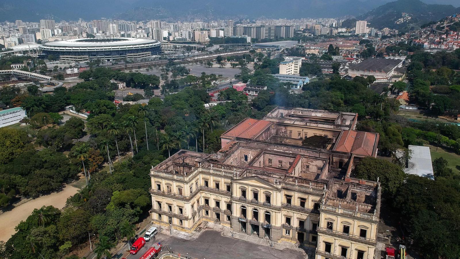 El foc arrasa una part essencial de la memòria del Brasil