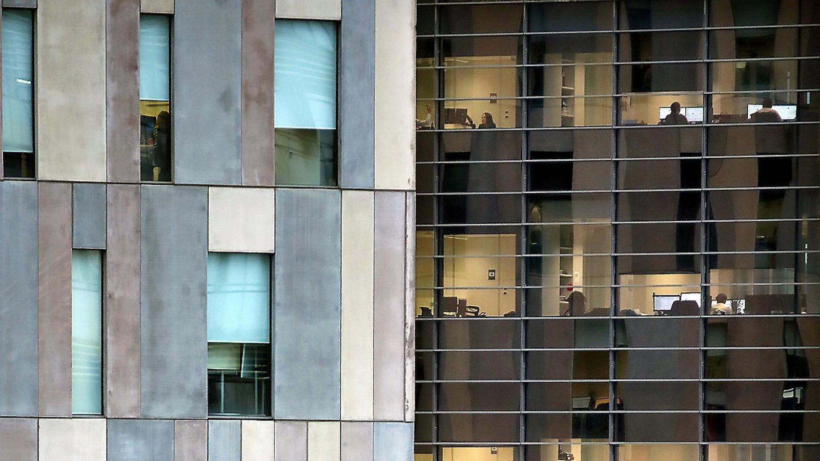 Les empreses redueixen el deute amb els bancs en 306.000 M€