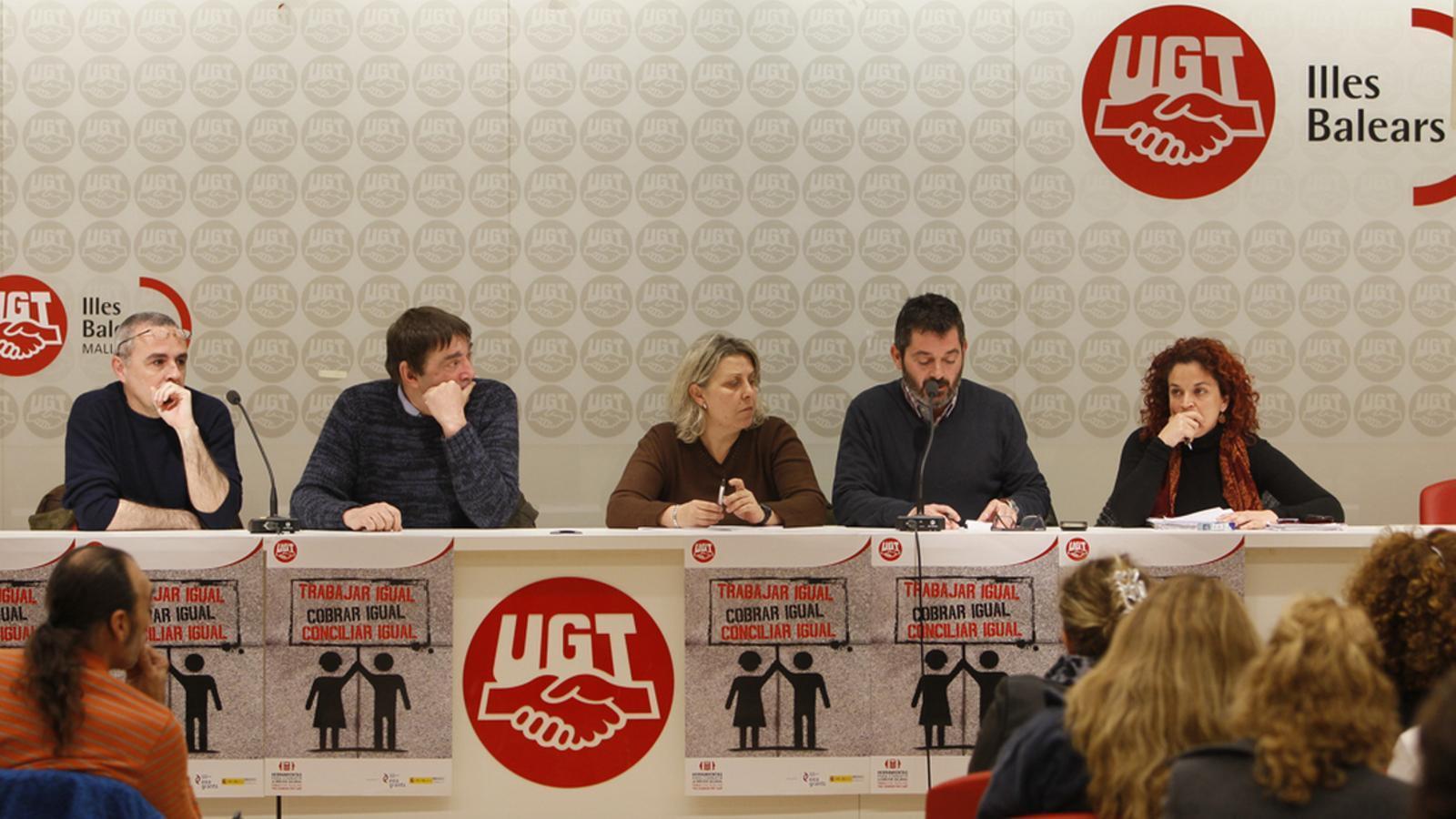 Els sindicats consideren que la patronal té una postura immobilista. / ISAAC BUJ