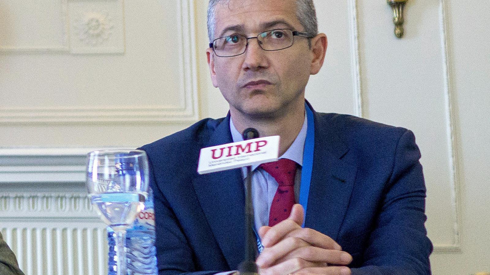 Pablo Hernádez de Cos en un acte de la UIMP.