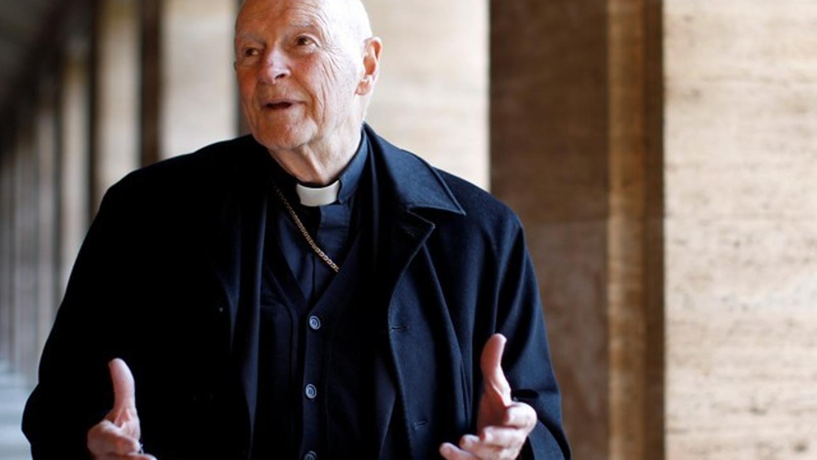 El Papa ordena la reclusió del cardenal de Washington fins que se'l jutgi per abús sexual