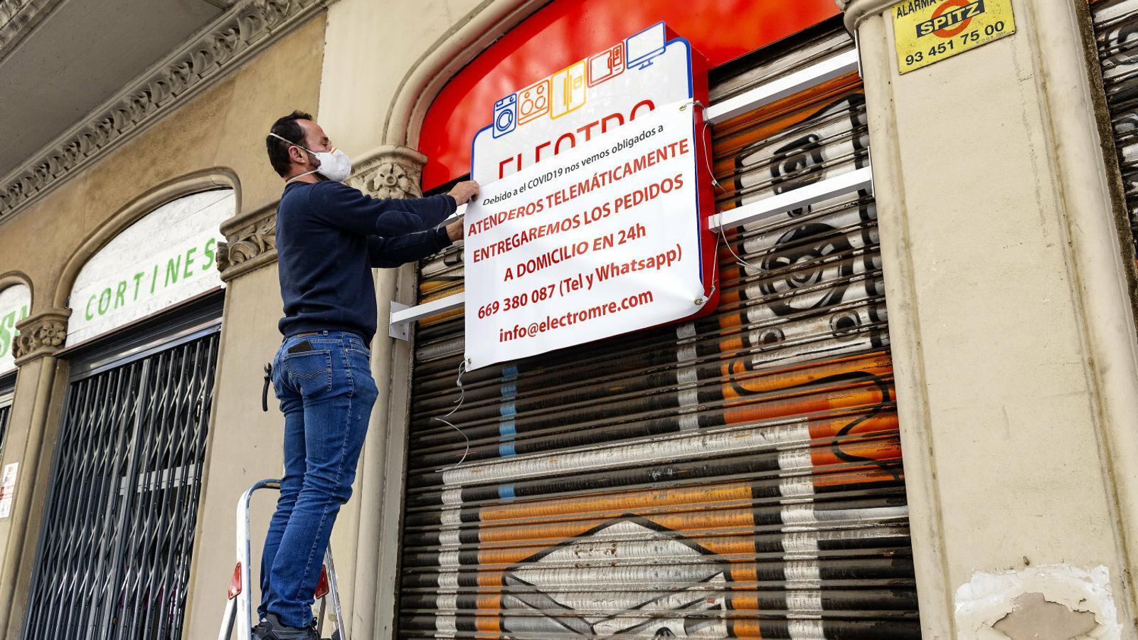L'Ajuntament de Barcelona donarà 300 euros als autònoms més afectats pel confinament