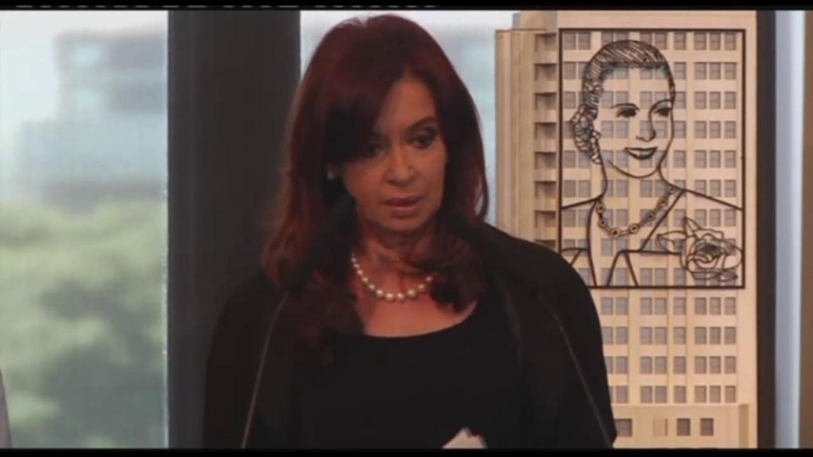 Argentina expropia YPF