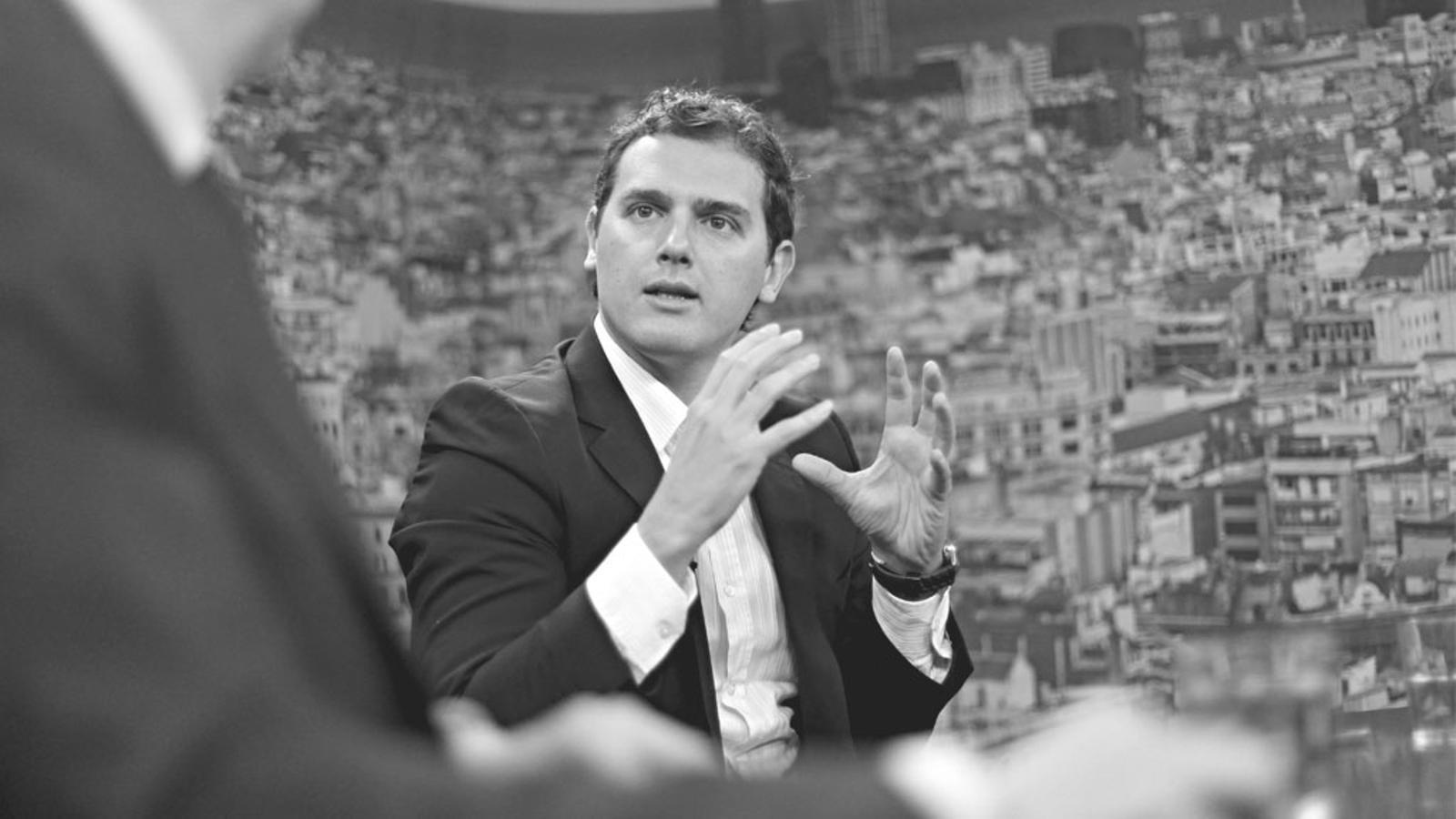 "L'editorial d'Antoni Bassas: Mani a la Meridiana, ""mejor prohibidos"" (06/05/15)"