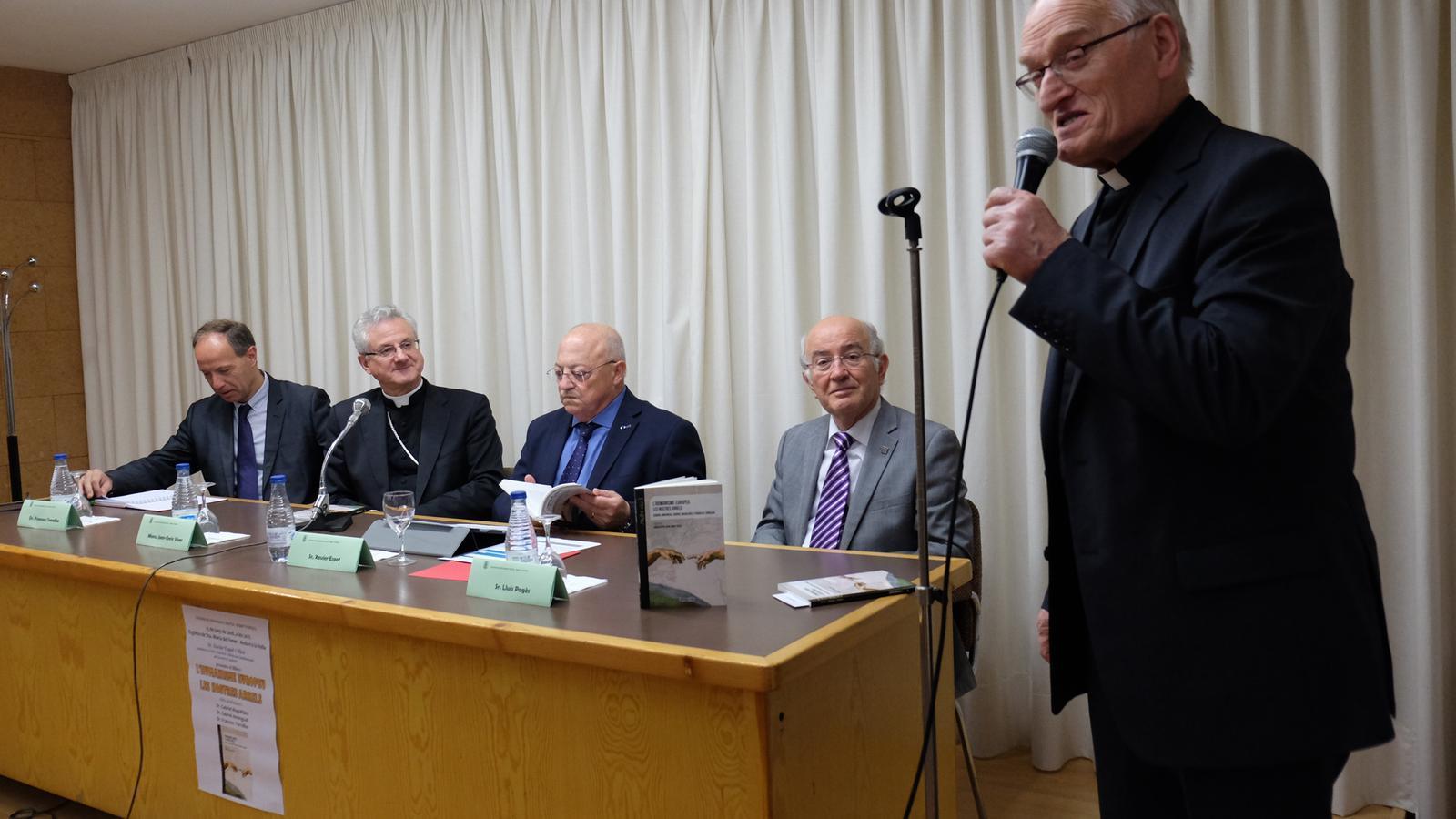 Presentació del recull de ponències de la Càtedra de Pensament Cristià. M. T. (ANA)