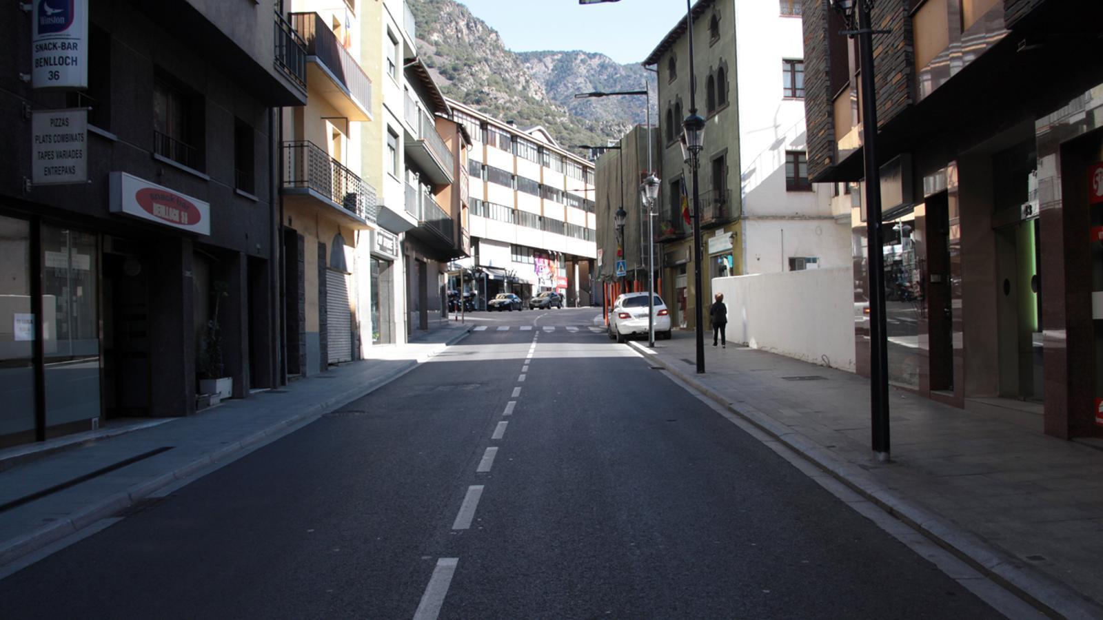 Carrers buits a Andorra la Vella en el Dia de la Constitució. / M. P.