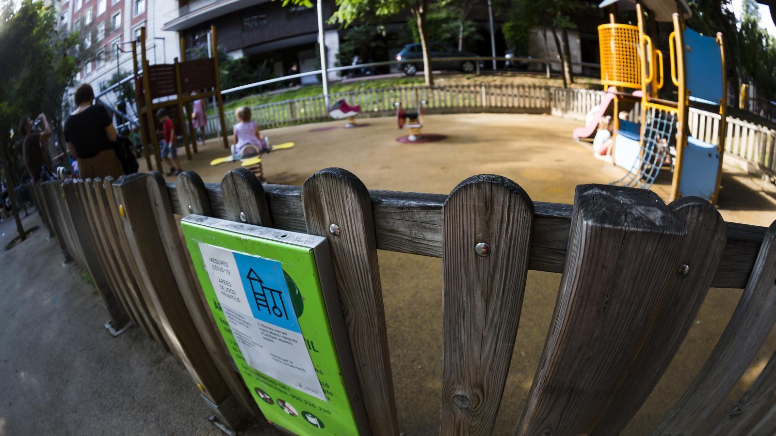 El Govern limita l'entrada i l'ús dels parcs infantils