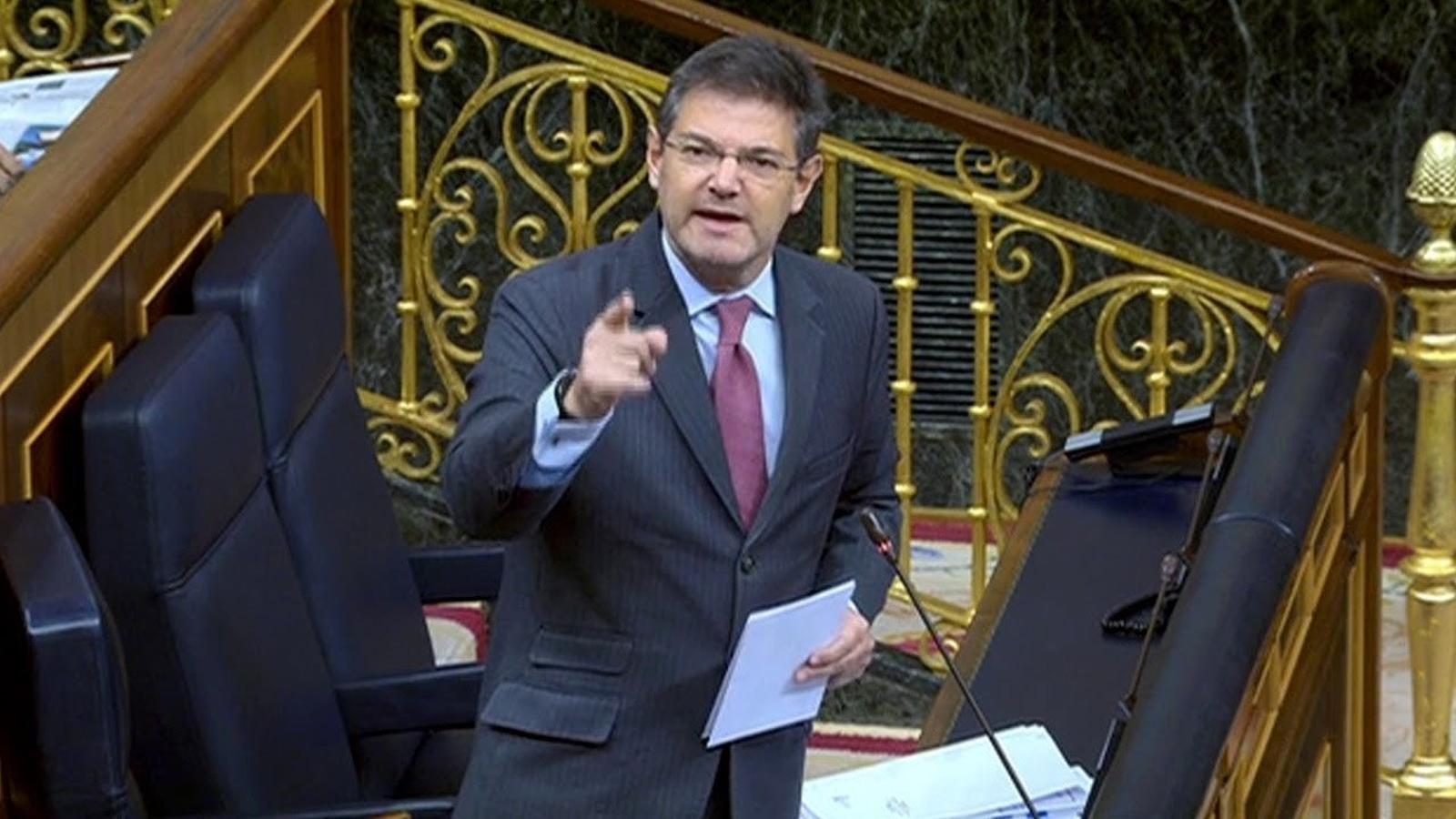 """El govern espanyol troba """"ofensiu"""" el llaç groc"""