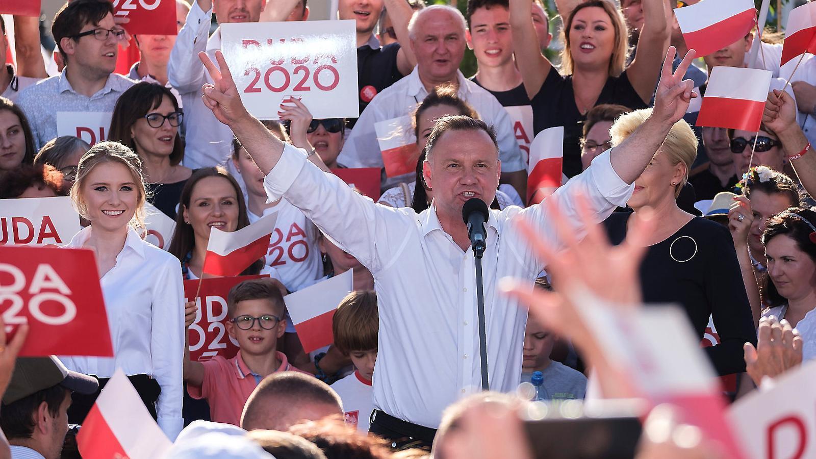 La UE mira les eleccions de Polònia amb por a la reelecció de Duda