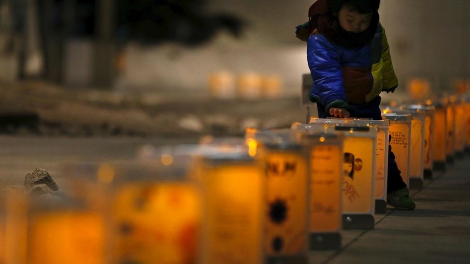 Homenatge a les víctimes del terratrèmol i el tsunami al japó, cinc anys després.