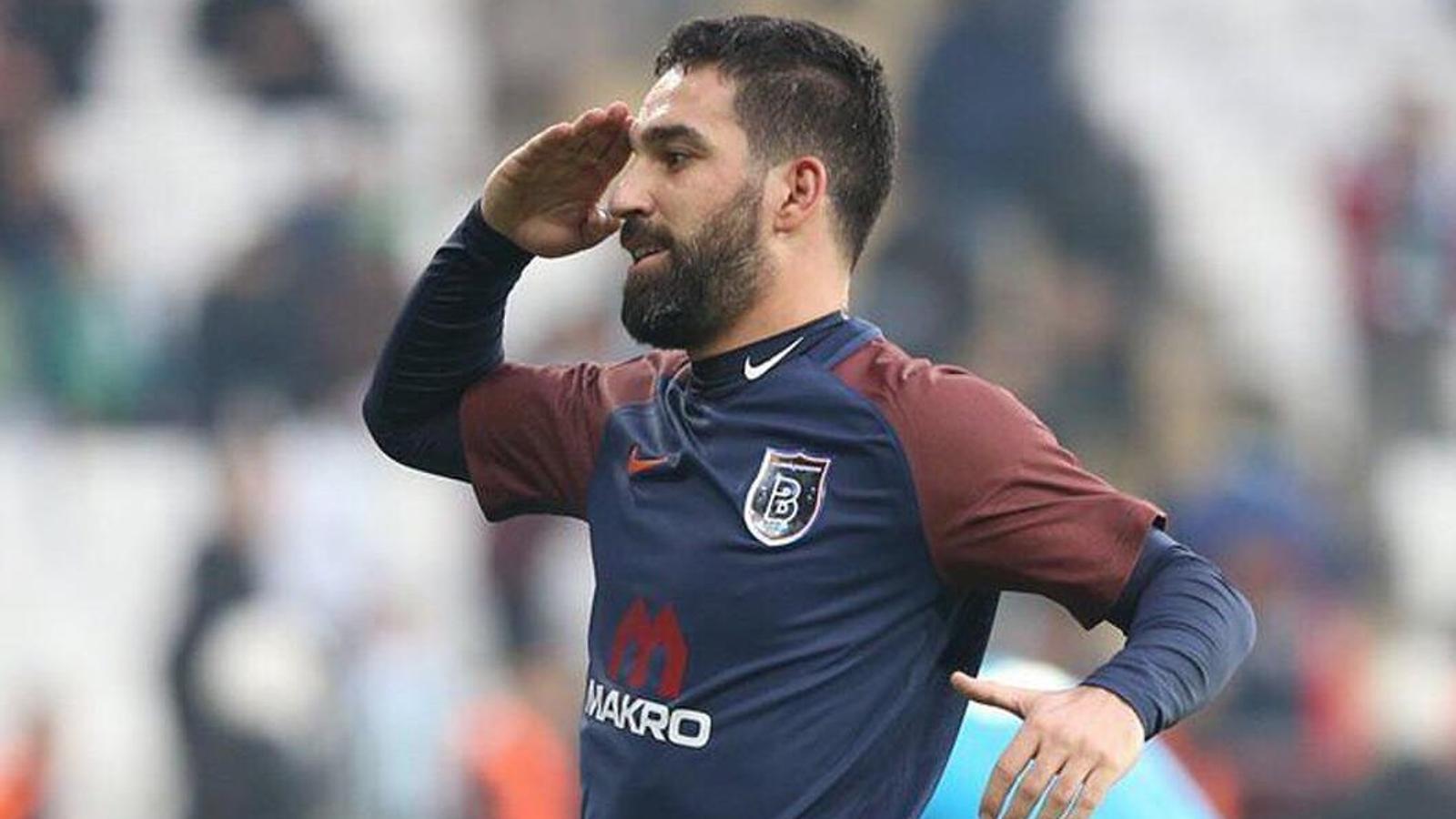 Arda Turan, celebrant el seu primer gol amb el Basaksehir
