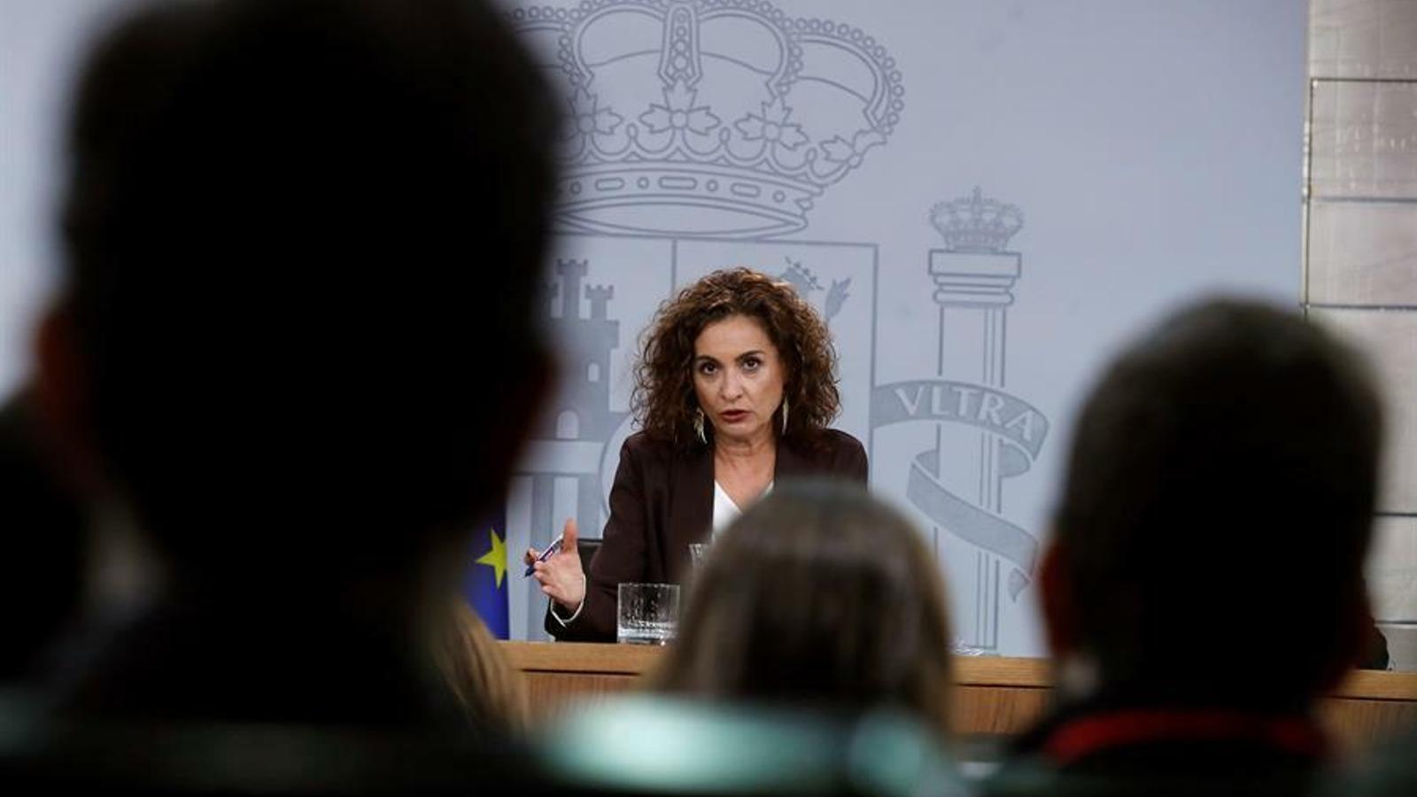 La portaveu del govern espanyol i ministra d'Hisenda, María Jesús Montero, durant la roda de premsa posterior al consell de ministres.
