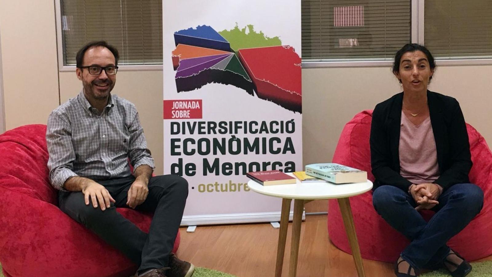 Josep Castells i Carmen Crespo impulsen la Jornada que reunirà a responsables de diferents àmbits per debatre sobre el futur econòmic de Menorca.